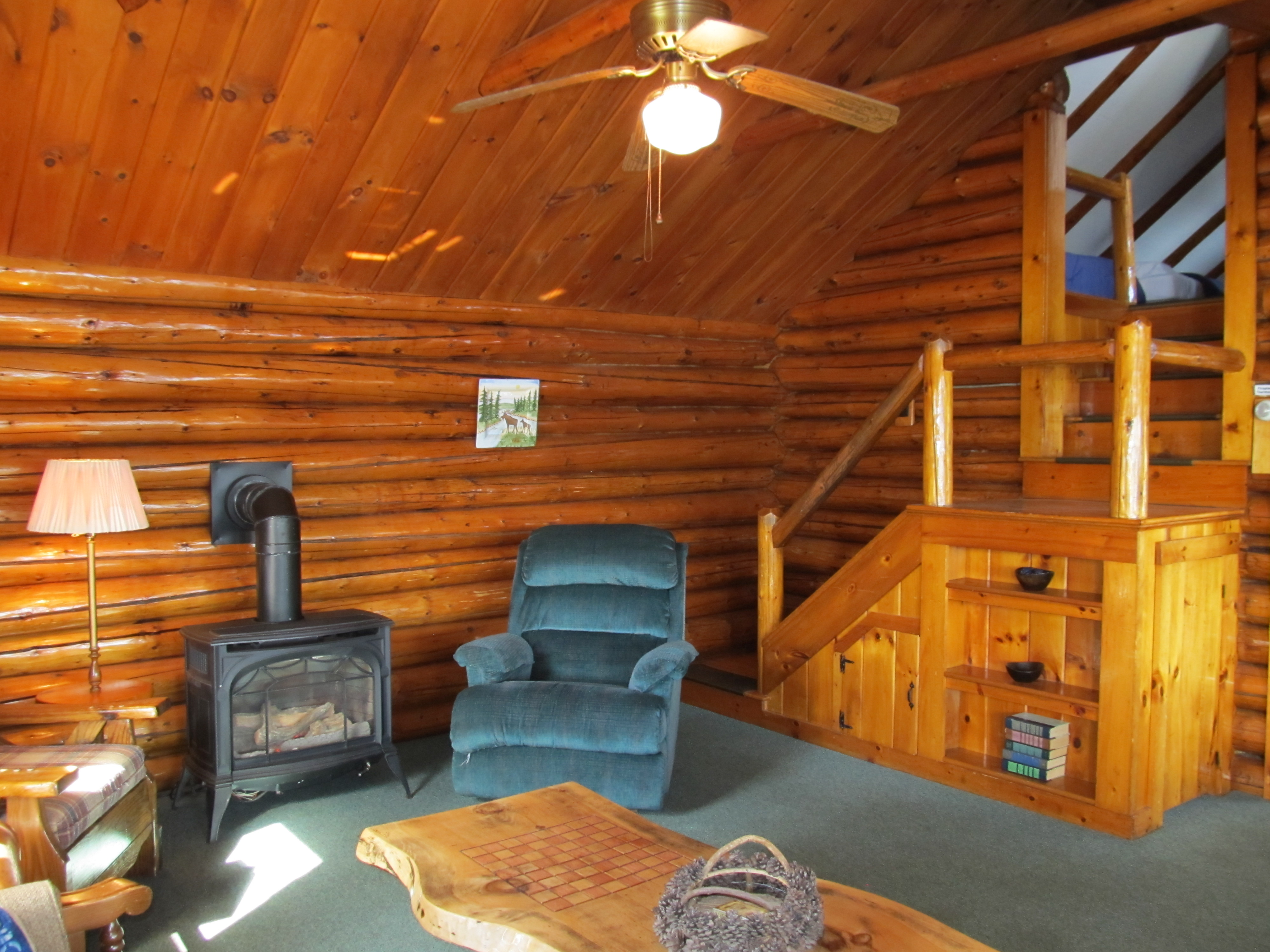 3 Bedroom Log Cabin On First Connecticut Lake With Fireplace